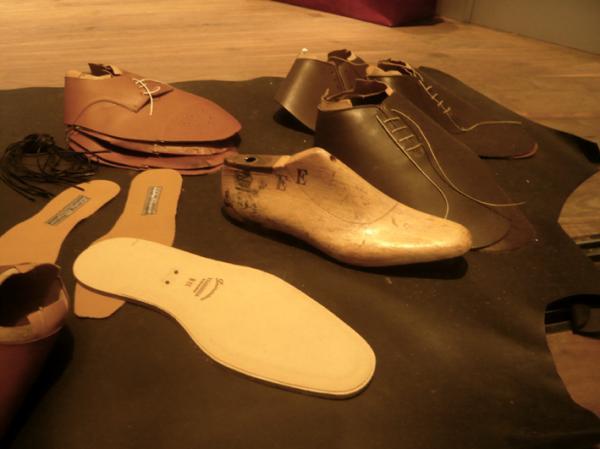 揭秘手工皮鞋定制的制作流程
