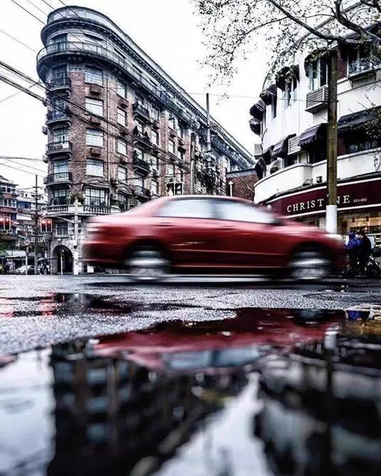 台风天,20张高清美图带你走一遍雨中上海图片