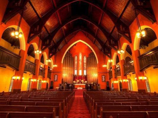 今年上海教堂将举行很多圣诞礼拜活动,详情如下:   地点:浦东红枫