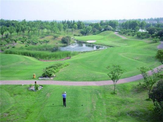 上海太阳岛度假村打高尔夫