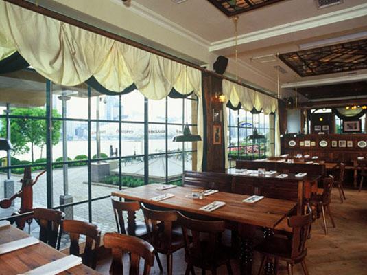 餐厅美食除了招牌猪肘,香肠,啤酒,也注重菜品的推层出新,令人垂涎三尺