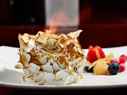 dome牛扒馆 — 火焰阿拉斯加-冰淇淋蛋糕图片