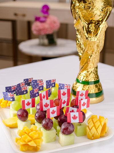 用水果做足球图片素材