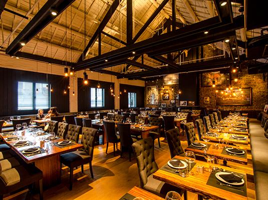 餐厅,以舒适温馨的就餐环境为顾客呈现高品质的地中海菜肴和土耳其